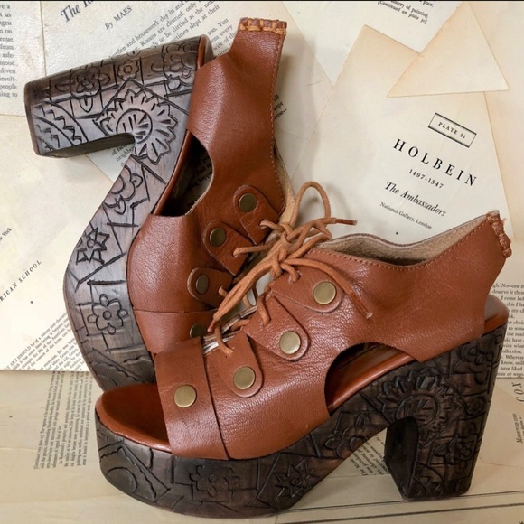 Free People Shoes - Free People Leather Carved  Clog Sandals 38/7.5-8